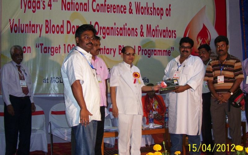 health-minister-of-odisha-with-lucy_orig